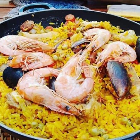 Paella valenciana fresca